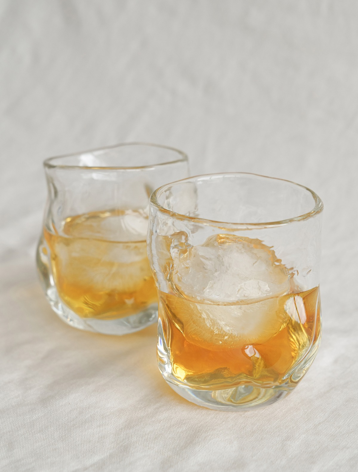 김동완 작가의 Handblown Whiskey Glass